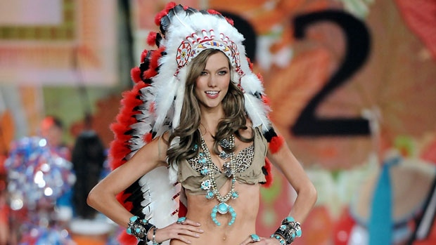 victoria-secret-kloss-headdress